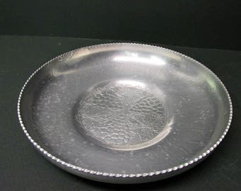 Hand Forged , vintage aluminum serving plater , bowl , country home , fruit motif , grape motif , pinked edge , storage tray , container