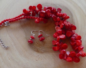 18 - 20 Inch Red Coral Teardrop Bead Necklace with Earrings