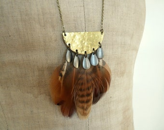 Brass moon & feathers necklace - Naka