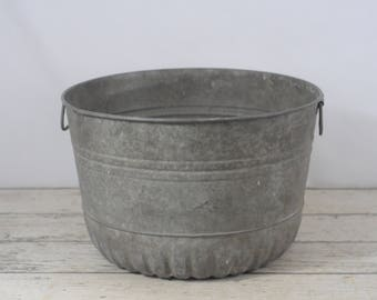 Vintage Wash Tub Galvanized Steel Metal Farm Full Bushel Basket Primitive #2