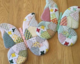 Vintage Pair of 80's Butterfly Cotton Hot Pads, Faux Patchwork Quilt Design, Vintage Potholders, Butterfly Potholders Retro Butterfly Hotpad