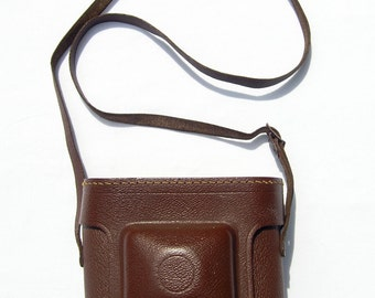 Vintage Brown Leather Camera Case with adjustable strap, Generic Leather Camera Case from the 1950s / 1960s, made in Germany