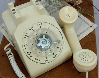 Vintage 1980s Rotary Dial Phone / Telephone / Land Line / ATT