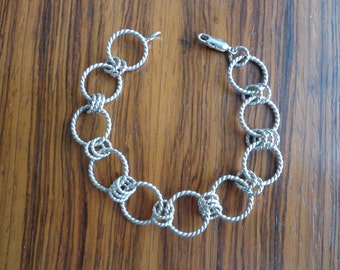 Silver.925 twisted ring bracelet.