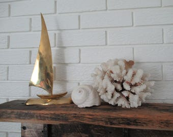 Vintage Brass Sailboat, Mid Century Modern Decor, Shelf Display, Beachhouse Decor, Cottage Decor
