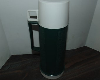 Vintage Thermos Brand Green & White 16 oz Filler 22F Stopper 722 Cup 22A63