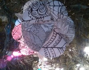 Color your own ornaments,sphere balls of Mendi and decorative shapes, leaves , paisley to color for Xmas Tree