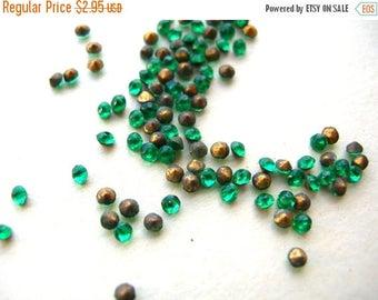 100 Emerald Glass Rhinestones - Green Glass Rhinestones - Czech Glass Rhinestones - ss6 Rhinestones