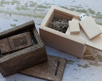 8gb USB 3.0 with matching Wood box - (spanish moss included)