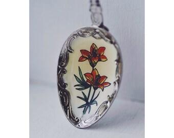Vintage Saskatchewan Collectible Enamelled Teaspoon with Orange Tiger Lily Flower Detail - Spoon
