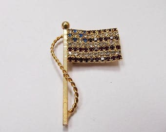 On Sale Vintage Prong Set Rhinestone American Flag Pin Item K # 3220