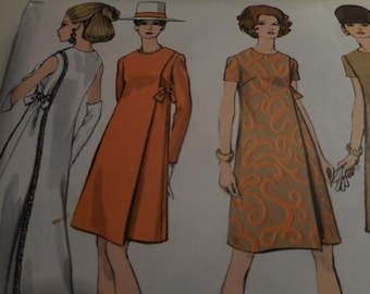 Vintage 1960's Vogue 7346 Dress Sewing Pattern, Size 12 Bust 34