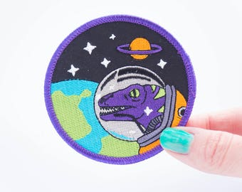 Velociraptor Astronaut Space dinosaur patch. designosaur patch. woven patch. embroidered patch. dinosaur flair. Spaceman dinosaur badge.
