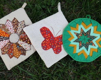 set of three 1960's pot holders - quilted and appliqued - look unused!