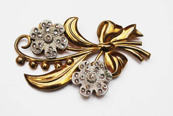 Flower Brooch - Art Deco  - Gold filled - cut silver steel - Floral pin