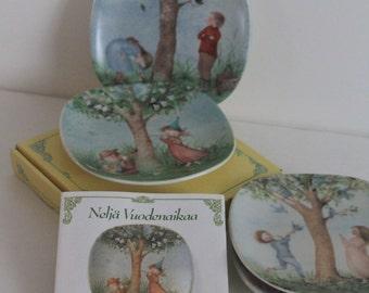 "Adorable vintage Arabia wall plate set ""Neljä Vuodenaikaa"" "" Four Seasons"""