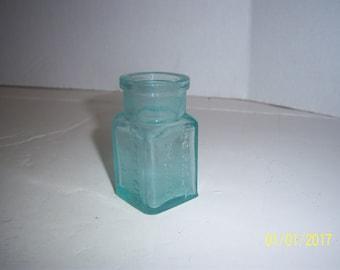 1880's Dr O. Phelps Brown Jersey City NJ 2 3/4 inch Aqua medicine bottle