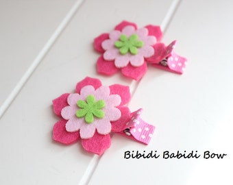 Felt flower clips - set of 2- baby girl hair bows -  Hair clips- Birthday gift - infant hair bows- Felt bow- Baby hair accessories