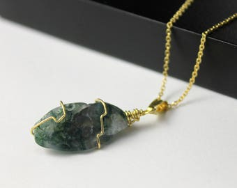 Rough Agate Necklace - 14K Gold Filled Necklace with Irregular Shape Moss Agate - Green Agate Gemstone - Abstract Stone