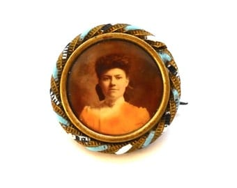Antique Edwardian Young Lady Portrait Pin Turn of the Century circa 1895 - 1900 Photo Pin, C clasp