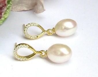 Gold , Bridal Earrings, Freshwater Pearl Bridal Earrings, Teardrop Pearl Earrings, Wedding Jewelry, white CZ , stud earrings