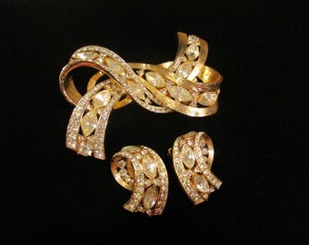 Vintage Gold Brooch Earring Set | Clip Earrings | Excellent Condition