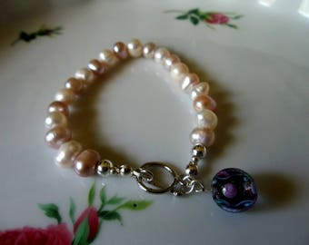 Wedding Bracelet. Delicate Pink and Cream Freshwater Pearl Bracelet.