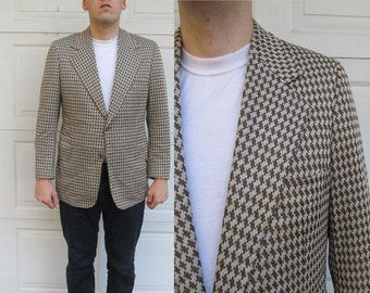 1970s men's checkered sport coat, polyester coat, brown and gray check, tacky sportcoat, Large