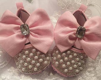 Pink beaded baby shoes | Pink beaded baby shoes with bowknots | Baby Shoes