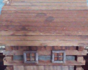 Logcabin storage box