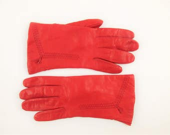 Italian Leather - Red Gloves -Decorative Weave Tops - Size 8 - Soft leather -  Acrylic Lining - Made in Italy For Dayton's - Boundary Waters