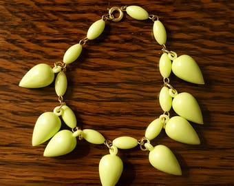 1960s Teardrop Bracelet Lime Green