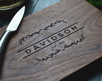 Personalized cutting / cheese board, engraved walnut wood, for wedding or anniversary gift