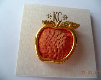Vintage Fabulous Signed KC Goldtone/Red Mesh Apple Brooch/Pin