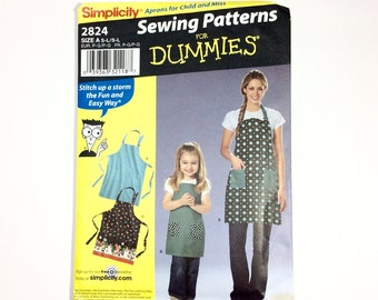 Simplicity 2824, Apron Pattern for Child and Mom, Child and Adult Aprons, Uncut
