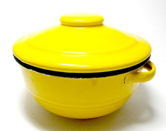 Enamelware Bowl Dish, Lidded Bowl, Yellow Enamelware Lidded Bean Pot, Casserole Dish, Rustic Primitive Cottage Farmhouse Kitchen, 3 Avail