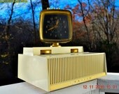PLAN 9 From Outer Space 1958 Philco Predicta Model H765-124 Tube AM Clock Radio - Iconic~!