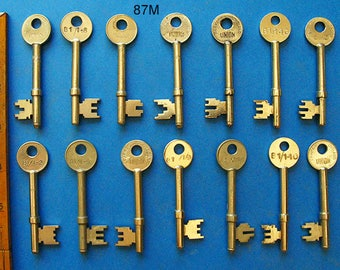 Antique Skeleton Keys - Great Lot 14 Clean Old Keys All Genuine No Fakes! - For Steampunk Locksmith Weddings Crafting Collection Vintage
