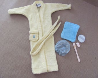 Vintage Barbie Clothes, 1960s Barbie Singing In The Shower Outfit, #988 Vintage Barbie Outfit, Robe, Bath Accessories
