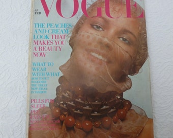 UK Vogue magazine fashion collectors memorabilia Vogue gift for her vintage coffee table periodical February 1970 beauty fashion history UK