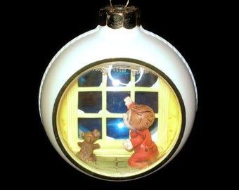Hallmark Ornament Christmas Window Boy Dog Santa Claus Reindeer Sleigh Vintage figure Figurine Tree Decoration 1980 Diorama Peek A Boo