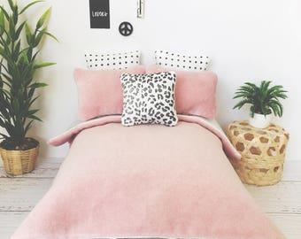 Dollhouse Velvet Bedding Set