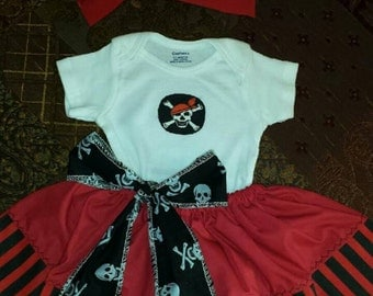 4 PIECES. Size   2 T 3 T 4 T and 5 T. Little Pirate Girl Black and Red. Girl Pirate.  Birthday Girl.  Cake Smash Outfit. Halloween Costume.