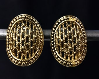 Vintage oval gold plated lattice clip on earrings