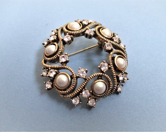 Vintage Gold Monet Brooch Faux Pearls Rhinestones Elegant Pin Antique Look Gold  Brooch Vintage Jewelry Gift for Women Mothers Grandmothers