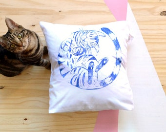 Cushion cover sleeping kitten linocut 40x40 cm