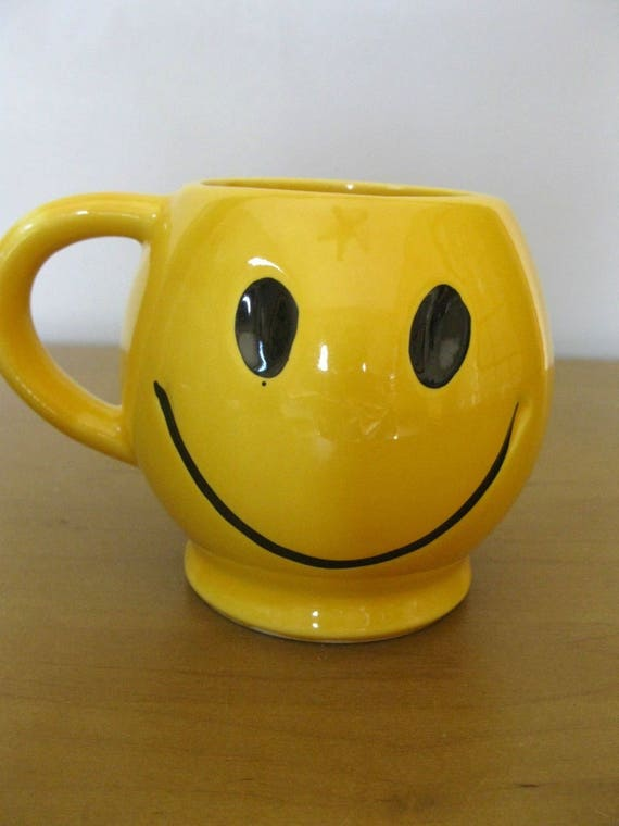 70s Fads iconic 70s mccoy smiley face mug made in usa bright yellow