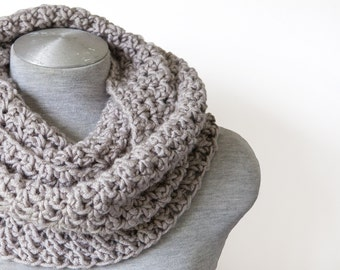 Crochet chunky scarf - Infinity scarf - Oversized scarf - Stone brown scarf - Chunky circle scarf - Crochet cowl scarf -Hand knitted scarf