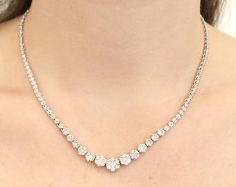 14k White Gold Diamond Graduated necklace flowers