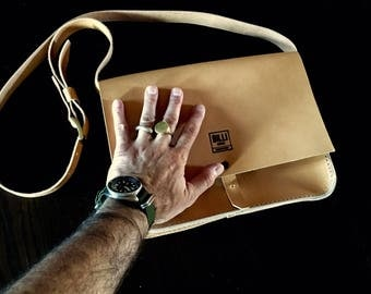 Messenger bag model Gamble